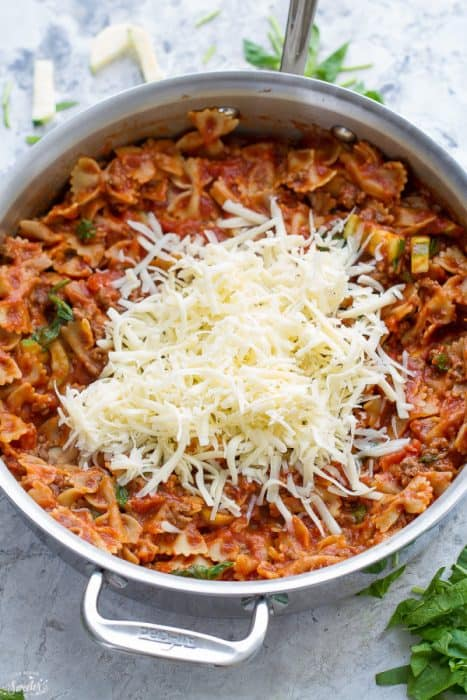 30 Minutes for this Easy Skinny Skillet Lasagna made lighter in only one pan!