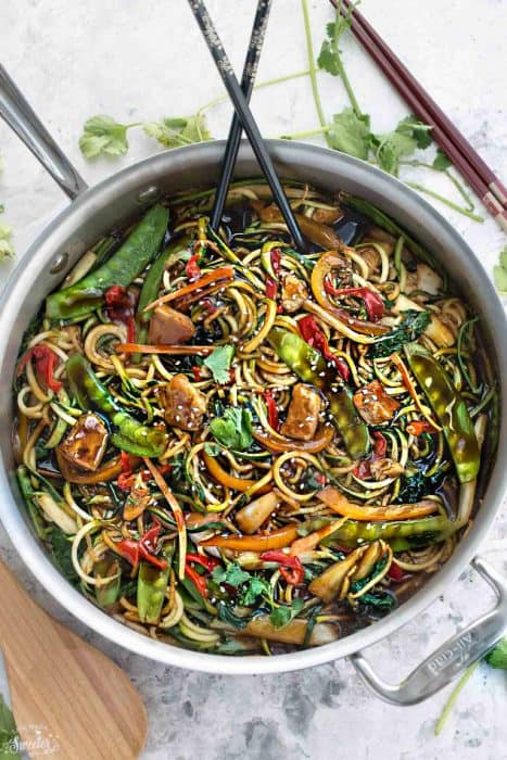 Healthy Chicken Chow Mein Zoodles makes the perfect easy weeknight meal Best of all, takes under 30 minutes to make and so much better than takeou!