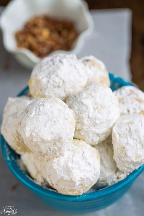 Snowball Cookies are perfect for your Christmas cookie tray!